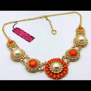 Betsey Johnson Orange Flower Bohemian Necklace 🌼